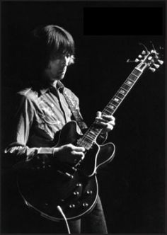 Eric Clapton with Cream, playing a Gibson ES-335