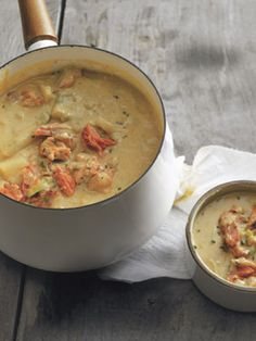 """Smoked Salmon Chowder - another pinner said """"just made this tonight. So good! I used 2 potatoes instead of one, green onions instead of leeks, and increased the veg broth by 1 cup and it was delicious!!!"""""""