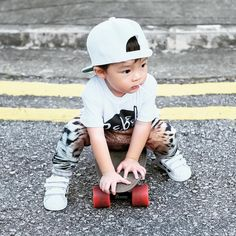 Little Fashion, Inspiration For Kids, Toddler Fashion, Hipster, Instagram Posts, Outfits, Clothes, Outfit, Outfit