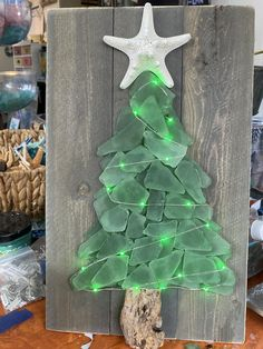 Sea Glass Crafts, Sea Crafts, Sea Glass Art, Seashell Crafts, Sea Glass Decor, Glass Christmas Tree, Christmas Decorations, Beach Christmas, Christmas Ideas