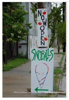 Gotta love those snoballs | New Orleans photograph available at theRDBcollection