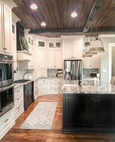 Home Remodeling Plans Rustic Kitchen Ideas - Rustic kitchen cupboard is an attractive combination of nation home and also farmhouse decoration. Surf 30 ideas of rustic kitchen design right here Kitchen Redo, Rustic Kitchen, New Kitchen, Rustic Farmhouse, Kitchen Modern, Farmhouse Style, Design Kitchen, Farm House Kitchen Ideas, Cape Cod Kitchen