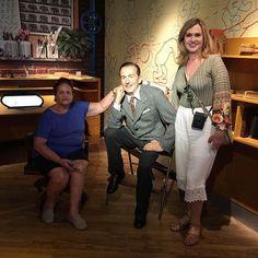 Foto com o querido Walt Disney ❤️ Já estou com saudades  #marisasantina #disney