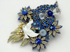 Fabulous STANLEY HAGLER N.Y.C. Dove Rhinestone Glass Bead Brooch