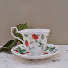 1000 images about strawberry strawberries on pinterest for Alpine cuisine fine porcelain