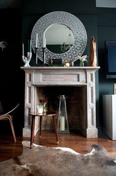 wall color // farrow & ball studio green no. Farrow And Ball Living Room, Living Room Green, Green Rooms, Living Rooms, Farrow Ball, Condo Interior, Interior Design, Mirror Over Fireplace, Dark Green Walls