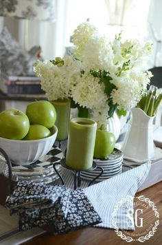 4 Tips For Kitchen Remodeling In Your Home Renovation Project – Home Dcorz Kitchen Vignettes, Kitchen Items, White Farmhouse Kitchens, Farmhouse Decor, Green Color Schemes, American Farmhouse, Thanksgiving Table Settings, Fall Table, Table Tray