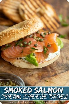 Smoked Salmon Cream Cheese, Smoked Salmon Bagel, Smoked Salmon Recipes, Bagel With Cream Cheese, Smoked Salmon Breakfast, Bagel Breakfast Sandwich, Cream Cheeses, Blue Cheese, Goat Cheese