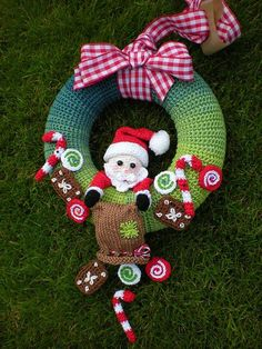 Trendy Ideas For Crochet Christmas Decorations Ravelry Crochet Christmas Wreath, Crochet Wreath, Crochet Christmas Decorations, Christmas Crochet Patterns, Holiday Crochet, Christmas Knitting, Crochet Home, Crochet Gifts, Christmas Wreaths
