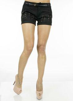 Pantaloni Dama Rhinestones  Pantaloni dama scurti, model lejer potrivit pentru sezonul cald. Include curea.  Detaliu - aplicatii strasuri in partea din fata.     Lungime: 30cm  Latime talie: 35cm  Compozitie: 35%Bumbac, 65%Vascoza