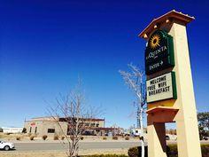 ニューメキシコ州出張中の常宿のひとつ、サンタフェ南のLa Quinta Inn