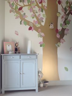 Wallpaper tree from Inke and unit from Laurette room designed by bobo kids