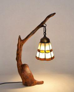 Este tipo de iluminacion es decorativa ya que su función principal ds por estetica no para alumbrar
