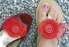 Clips pour chaussures, clip bijoux pour chaussures rouge en gaze et tulle est une création orginale de Luciana-Torre-SHOP sur DaWanda