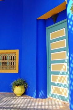 Some high energy colour to kick start the day because...who needs coffee? (I confess, I do).  Loving this shot Emma Devereux! So much! Thank you 😍 Yes, one day I will visit you too, Morocco...yes I will.  #morocco #coffee #morning #goodmorning #blue #bluewall #architecture #colour #inspiration #travel #explore #discover #wander #wanderlust #adventure #traveltheworld #bucketlist #proyager #proyageraus #northafrica #aussieslovetotravel #travelplans #destinations