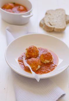 Albóndigas de pollo con salsa de tomate - Cocinando Sabores
