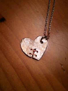 I took a round metal blank and drew a heart on it with a fine tip sharpie, then… Recycled Jewelry, Copper Jewelry, Wire Jewelry, Jewelry Crafts, Jewelry Art, Jewelery, Handmade Jewelry, Jewelry Design, Copper Art