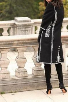 SUMAN ROMANESC (PARDESIU) NEGRU - DIN STOFA DE LANA - ABA Modest Fashion, Fashion Dresses, Folk Fashion, Womens Fashion, Ukrainian Dress, Embroidered Jacket, Mode Hijab, Trench Coats, Traditional Dresses