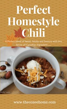 Sweet and Smokey Beef and Bean Chili - The Cozee Home No Bean Chili, Smoked Bacon, Fries In The Oven, Kidney Beans, Sour Cream, Dinner Ideas, Beef, Meals, Cooking