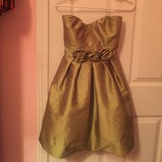 Green Strapless Party Dress Great condition Green Party dress. Super cute. Ruby Rox Dresses