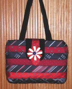 Making art from men's neckties Tie Crafts, Diy Bags Purses, Silk Ties, Upcycle, Sewing Projects, Shoulder Bag, Crafty, Neckties, Spotlight