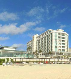 #luxurybeach Luxury surrounded by the incomparable white sands of Cancun's beaches.  #playa Un lujo rodeado por la inigualable arena blanca de las playas de Cancun