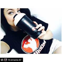 #Repost @fit.bmariie.97  Danke @gymroom.de für die tollen Produkte! Der shaker ist echt der Hammer & das Shirt erst!  Leute schaut mal bei Gymroom.de vorbei! Sehr gut Preise und wie Riesen Auswahl an Produkten!! #gymroom #gym #eatclean #hamburg #training #instafit #derwilleindir #squats #sixpack #fit #fitfam #fitness #supplement #machdichwahr #lowcarb #bodybuilding #mcfit #muscles #motivation #muskeln #fitspo #mcfithamburg #mcfitstellingen #sport #fitnessmodel #instahealth #transformation…