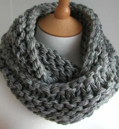 Hand Knitted Things: Steel Grey Chunky Circular Scarf Free Knitting Pattern - this is going on my list of things to knit! Loom Knitting, Knitting Patterns Free, Knit Patterns, Free Knitting, Free Pattern, Start Knitting, Finger Knitting, Knit Or Crochet, Crochet Scarves
