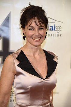 Premio Union de Actores y Actrices 2015. Silvia Marso con vestido rosa cuello esmoquin negro coleccion Primavera/Verano