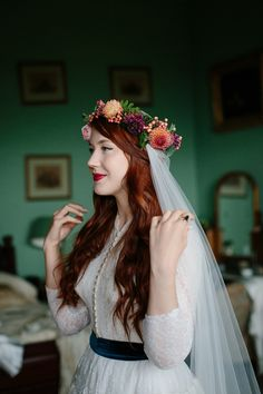 A Humanist woodland wedding for an ethereal, flame haired 1940's inspired bride. Photography by Caro Weiss, film by Sugar8.
