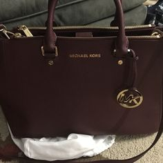 Shop Women s Michael Kors size Large Satchels at a discounted price at  Poshmark. Description  Only looking to trade for a michael xl studded selma  or tory ... c097241b91f