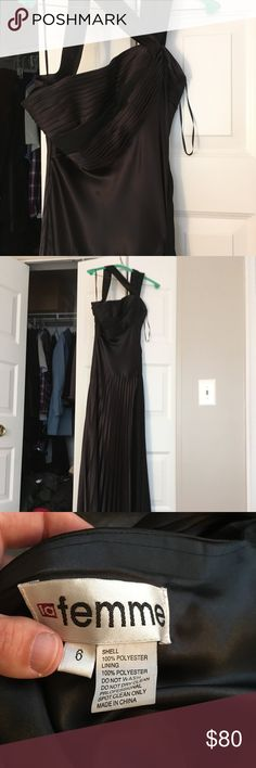 Floor length one shoulder gown CLASSIC looking size 6 (true to size) floor length gown by La Femme. One shoulder dress, partial pleating. All these pictures are terrible. I wore it once to a military ball with my husband. A truly gorgeous dress. You won't be disappointed. La Femme Dresses One Shoulder