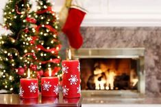 Here are some fun Christmas party games for teens. These Christmas activities give your teenager an opportunity to interact with others. Fun Christmas Party Games, Christmas Trivia, Diy Christmas Decorations For Home, Christmas Candles, Holiday Decor, Christmas Facts, Christmas Activities, Christmas Photography Backdrops, Christmas Backdrops