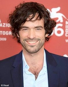 Romain Duris. I don't like monkeys, but I tend to like boys who look like them. :P