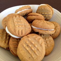 Caramel Biscuits with Lemon Filling