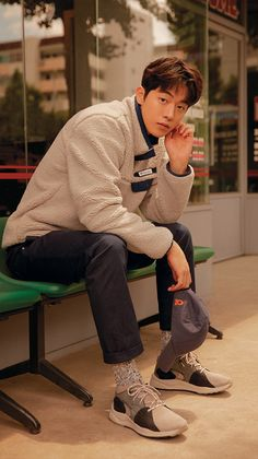 Korean Male Actors, Handsome Korean Actors, Korean Celebrities, Korean Men, Asian Actors, Asian Men, Nam Joo Hyuk Smile, Kim Joo Hyuk, Nam Joo Hyuk Cute