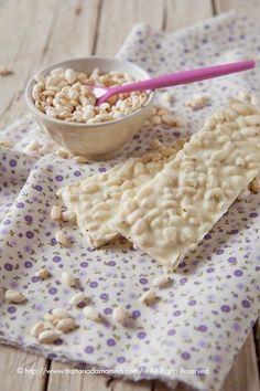 Ve li ricordate il Ciocorì e il Biancorì? Quelle barrette di cioccolato e riso soffiato? A me la versione al cioccolato al latte non mi faceva impazzire, ma in compenso quello con il cioccolato bianco da matti!