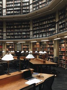 Warmhealer: Yesterday morning I had the round reading room at the library completely to myself. Uni Life, College Life, School Motivation, Study Motivation, Studyblr, Zones D'étude, College Aesthetic, Book Wallpaper, Reading Room