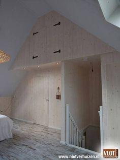 5 Far-Sighted Hacks: Old Attic Stairs attic door frosted glass.Attic Renovation On A Budget. Attic Loft, Loft Room, Attic Rooms, Attic Spaces, Attic Inspiration, Attic Renovation, Home Bedroom, Master Bedroom, Interior Design Living Room