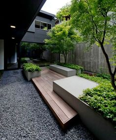 Timber deck and gravel courtyard