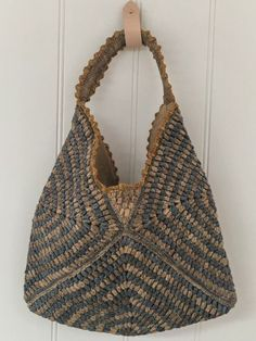 Shop in style with this stylish shopping bag. Bo …- in style with this stylish shopping bag. Bottom of this bag is… Shop in style with this stylish shopping bag. Bottom of this bag is firm, made to hold the shape…Read Crochet Clutch, Crochet Handbags, Crochet Purses, Knit Crochet, Crochet Bags, Bag Women, Macrame Bag, Boho Bags, Knitted Bags