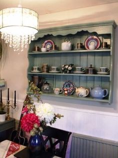 Read useful and stylish hints and tips for country kitchen decorating. Learn how to get an authentic look. Ideal country kitchen colors, fittings and accessories.