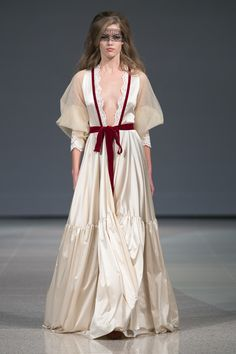http://media.mod-no.com/1/2014/img/events/n/rfw-ss15-amoralle/images/010.jpg