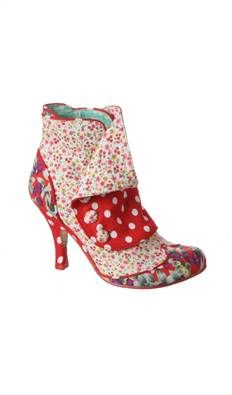 http://www.donnaclassey.com/2013/03/love-love-love-spat-attack-boots.html