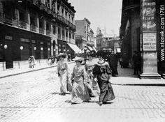 Sarandí y Juncal - 1892 - Fotos de Montevideo antiguo - Departamento y ciudad de Montevideo - URUGUAY. Imagen #1761