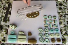 lisaclarke_polymer_clay_buttons_02