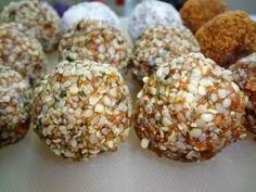 Raw vegan energy balls Fit Food Travel