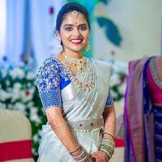 Wedding Saree Blouse Designs, Pattu Saree Blouse Designs, Half Saree Designs, Designer Blouse Patterns, Fancy Blouse Designs, Wedding Blouses, Marie, Silk Sarees, Pattu Sarees Wedding