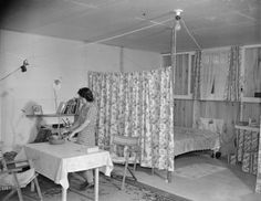 View of the interior of a typical barracks home at Jerome War Relocation Center, Arkansas, 17 Nov 1942 (US National Archives)
