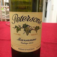 Keeping the weekend dream alive with @petersonswines '15 Marsanne from @mudgeeregion. Ripper! . . . . . . . #wineoclock #winegeek #winetasting #winenerd #mudgee #mudgeewine #marsanne #nswwine #aussiewine #wine #vino #winestagram #instawine #instavino #whitewine #wineo #wineme